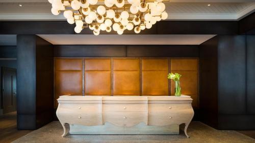 Reception Area Modern lighting Kimpton Journeyman Hotel Milwaukee